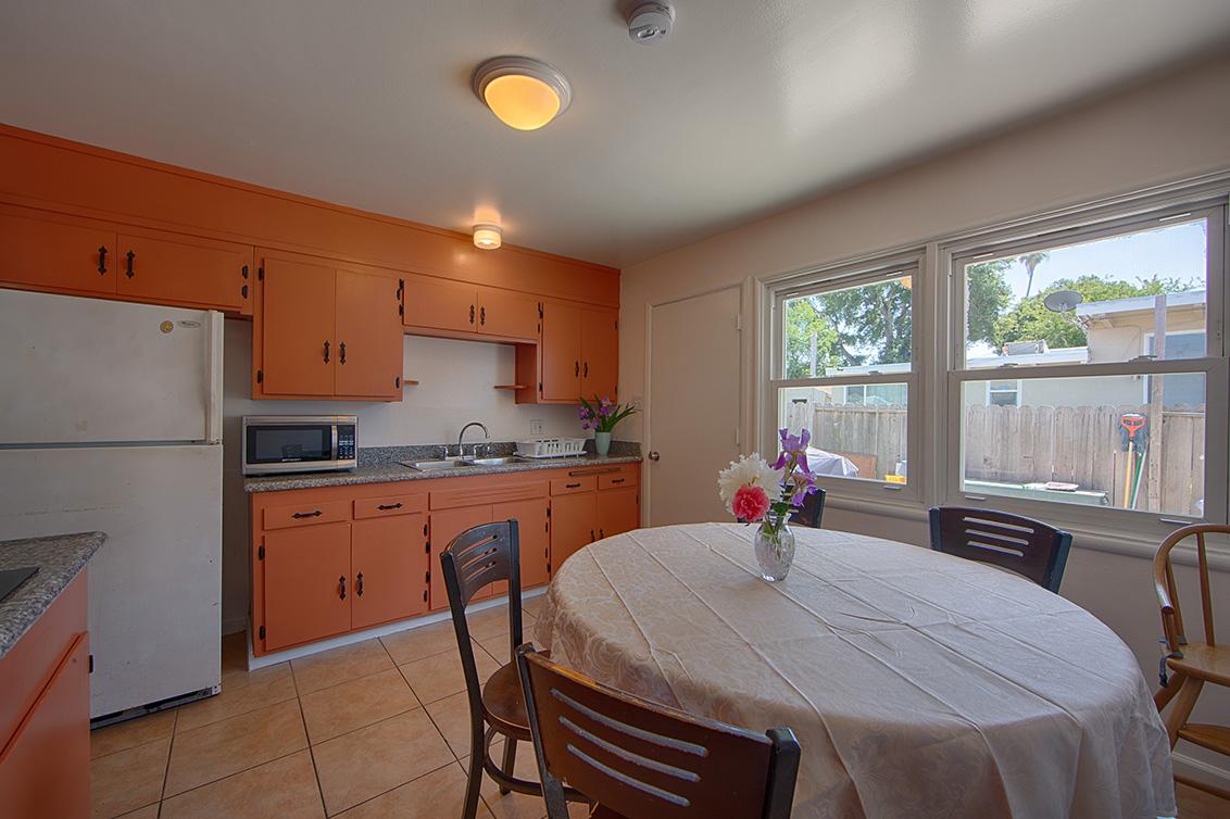 Kitchen (B) - 2544 Hazelwood Way