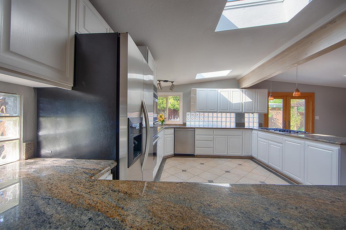 Kitchen (B) - 2311 Jewell Pl