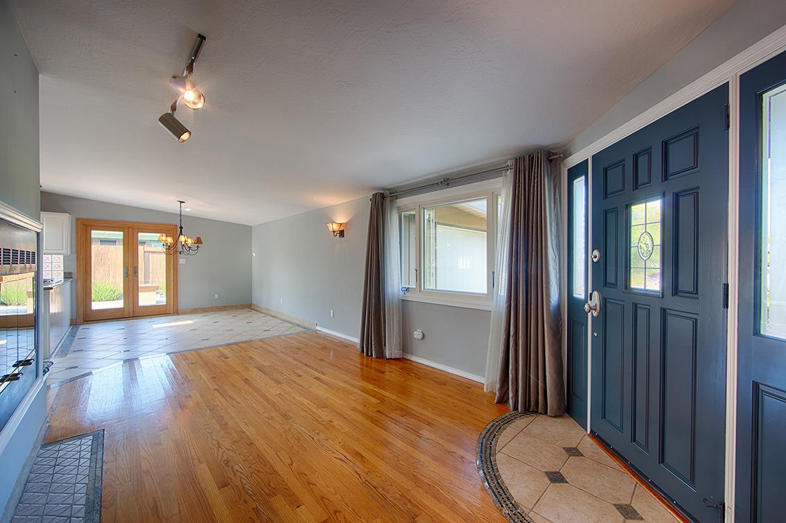 Living Room (D) - 2311 Jewell Pl