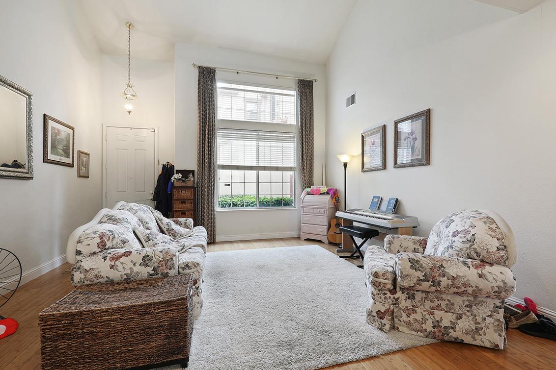 Living Room - 2270 Lenox Pl