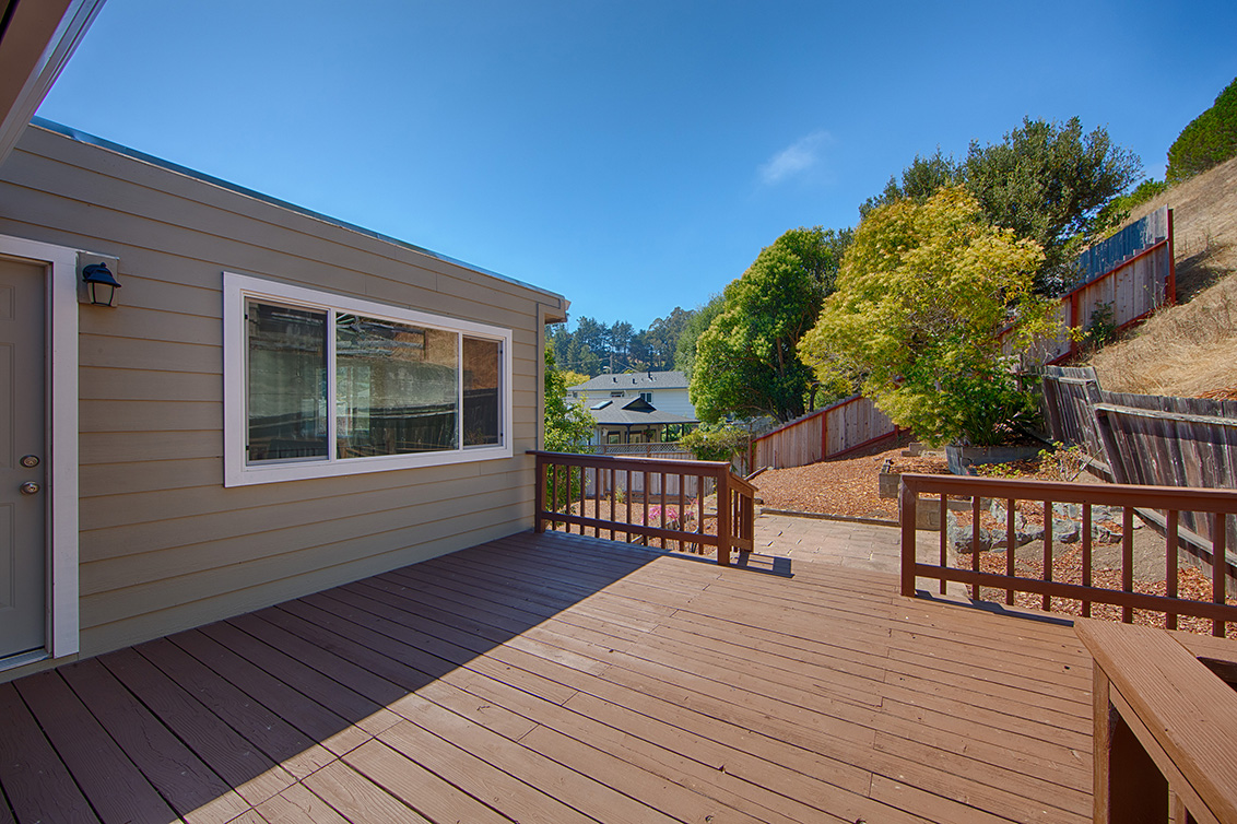Deck (A) - 1288 Lerida Way