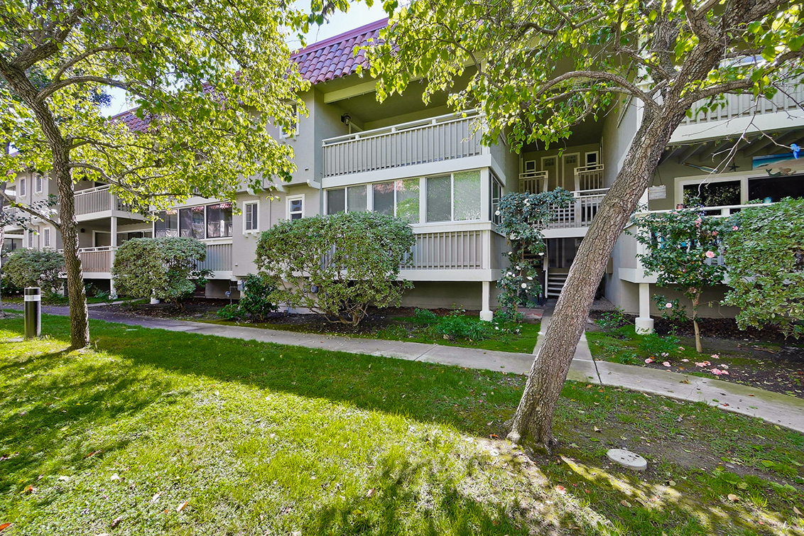 Mauricia Ave 2787 B (C)