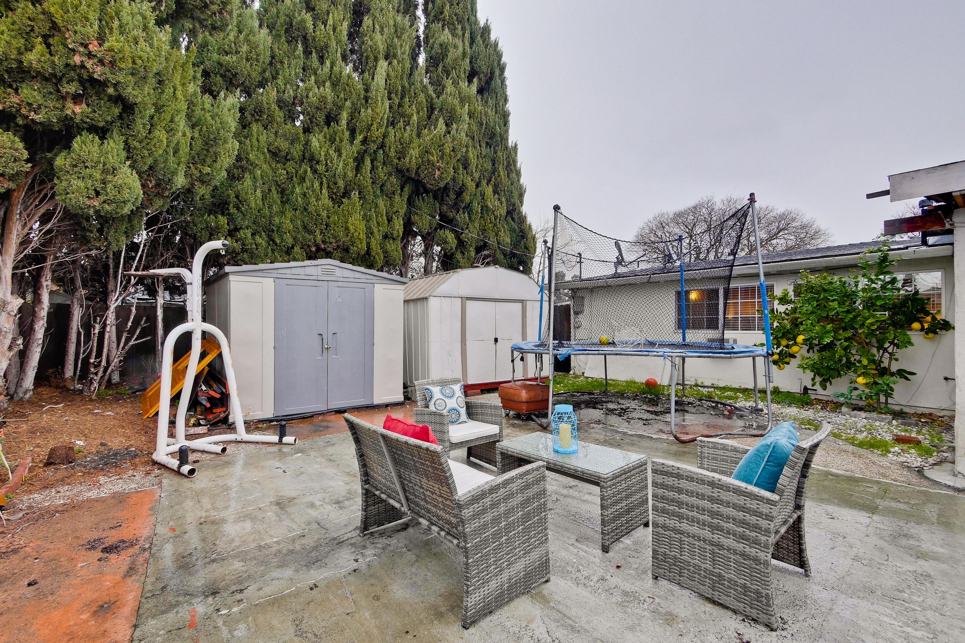 315 Meadowlake Dr, Sunnyvale 94089 - Backyard (E)