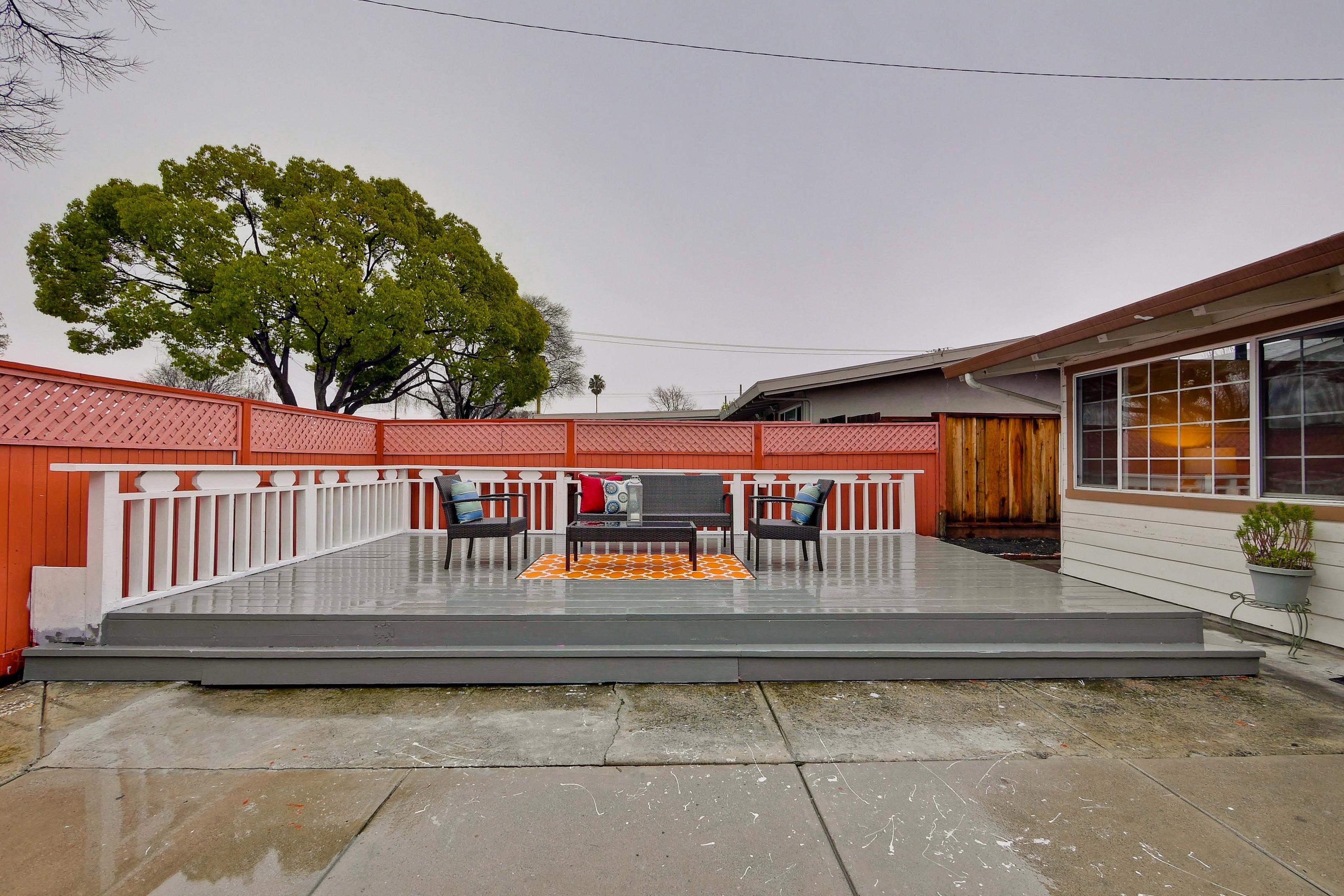 315 Meadowlake Dr, Sunnyvale 94089 - Courtyard (B)