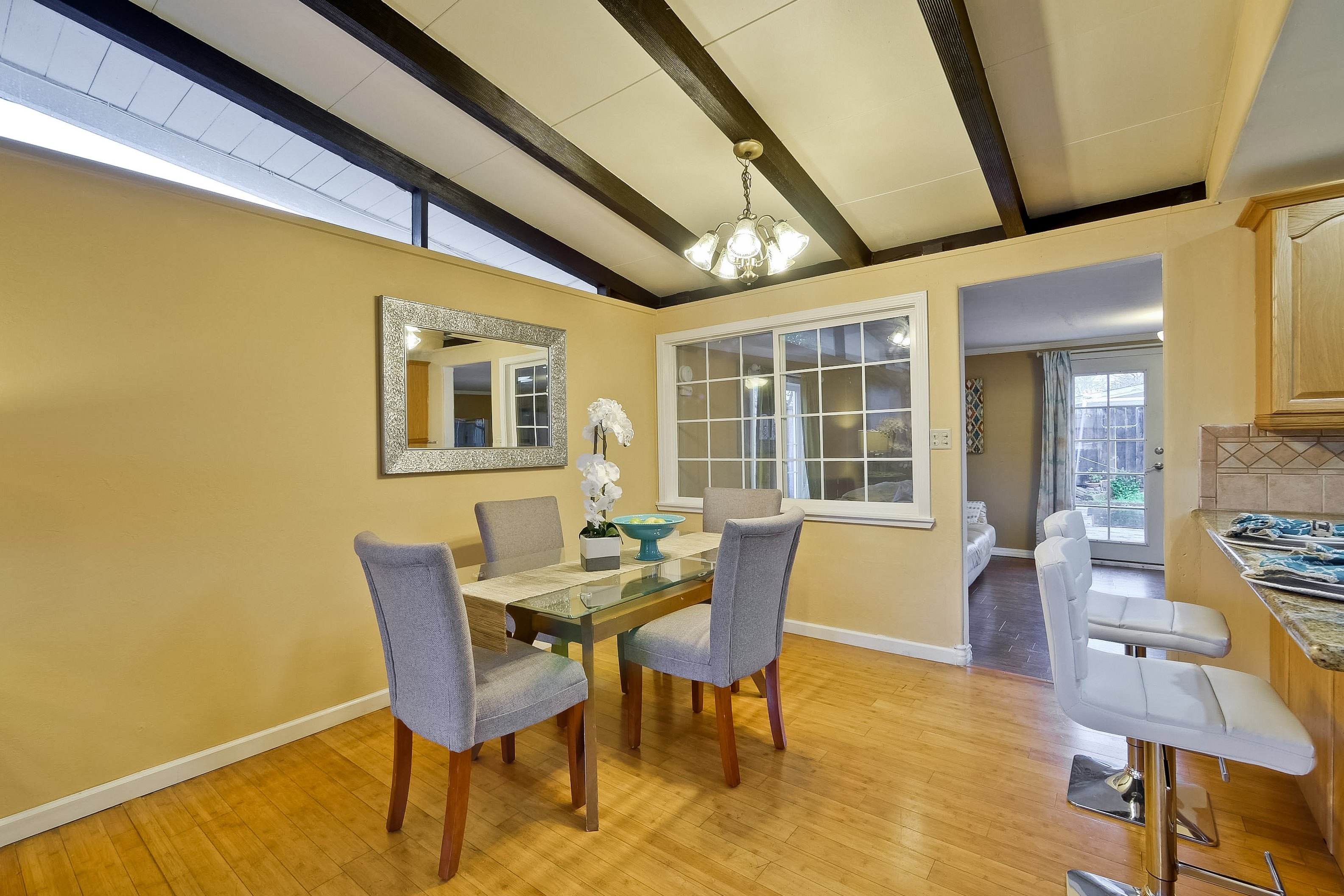 315 Meadowlake Dr, Sunnyvale 94089 - Dining Room (A)