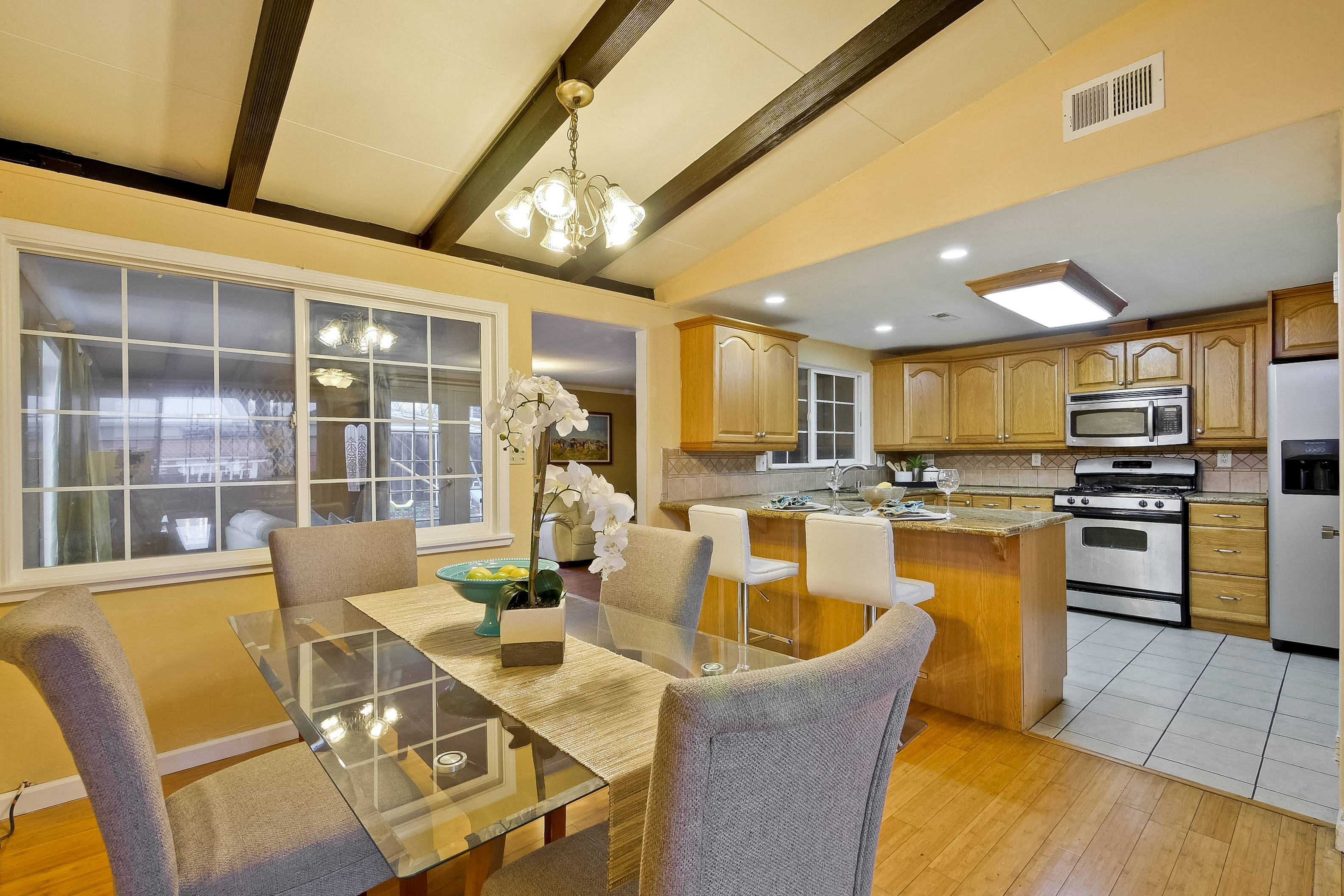 315 Meadowlake Dr, Sunnyvale 94089 - Dining Room (C)