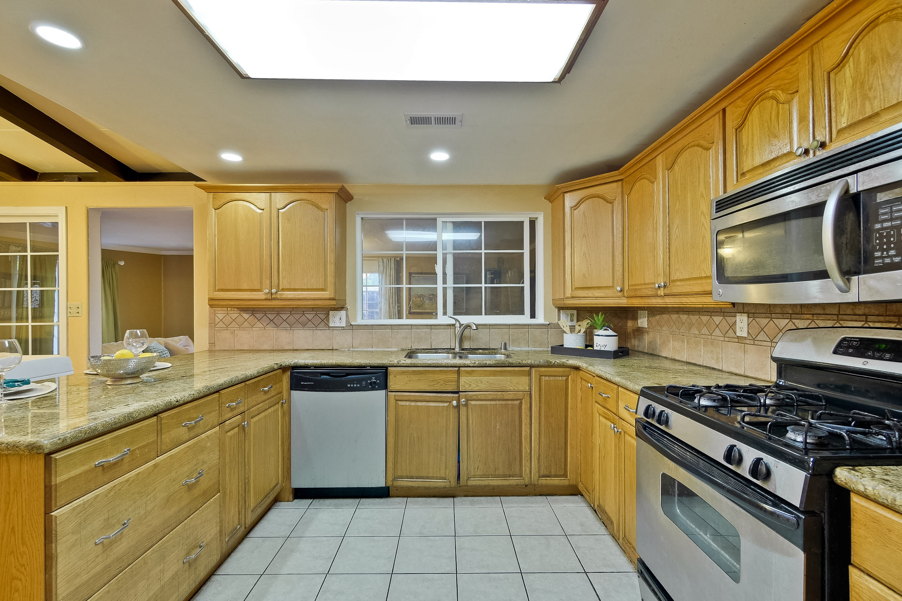 315 Meadowlake Dr, Sunnyvale 94089 - Kitchen (F)