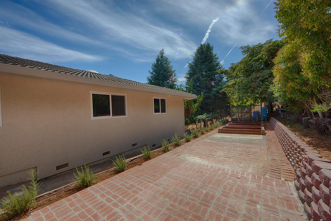 Sideyard (A) - 13360 Montebello Rd