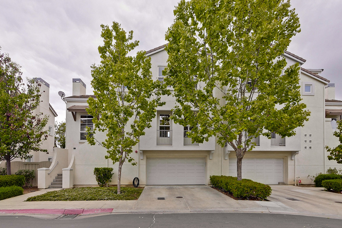 Picture of 127 Montelena Ct, Mountain View 94040 - Home For Sale