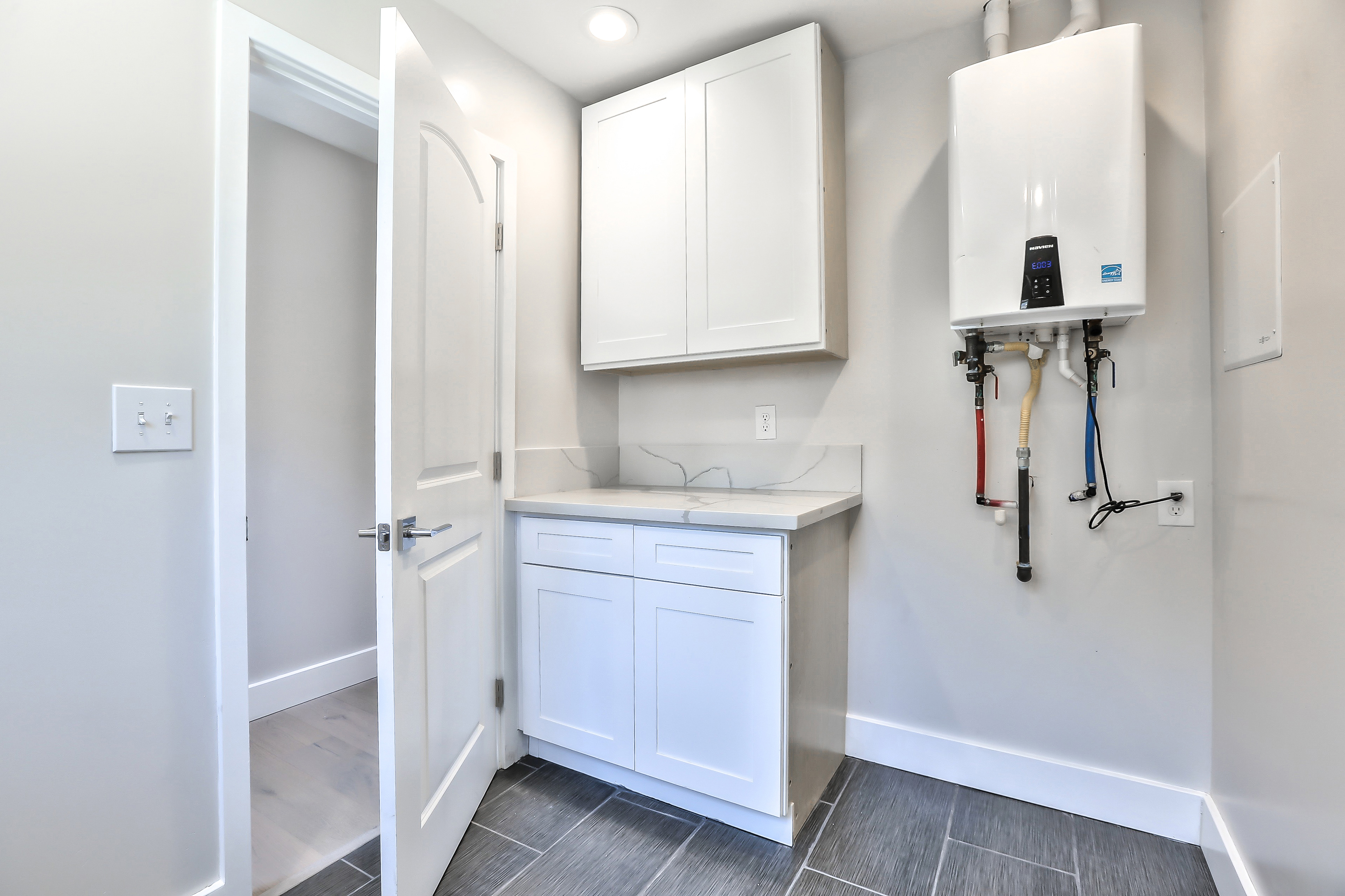 355 Morse Ave, Sunnyvale 94085 - Laundry (A)
