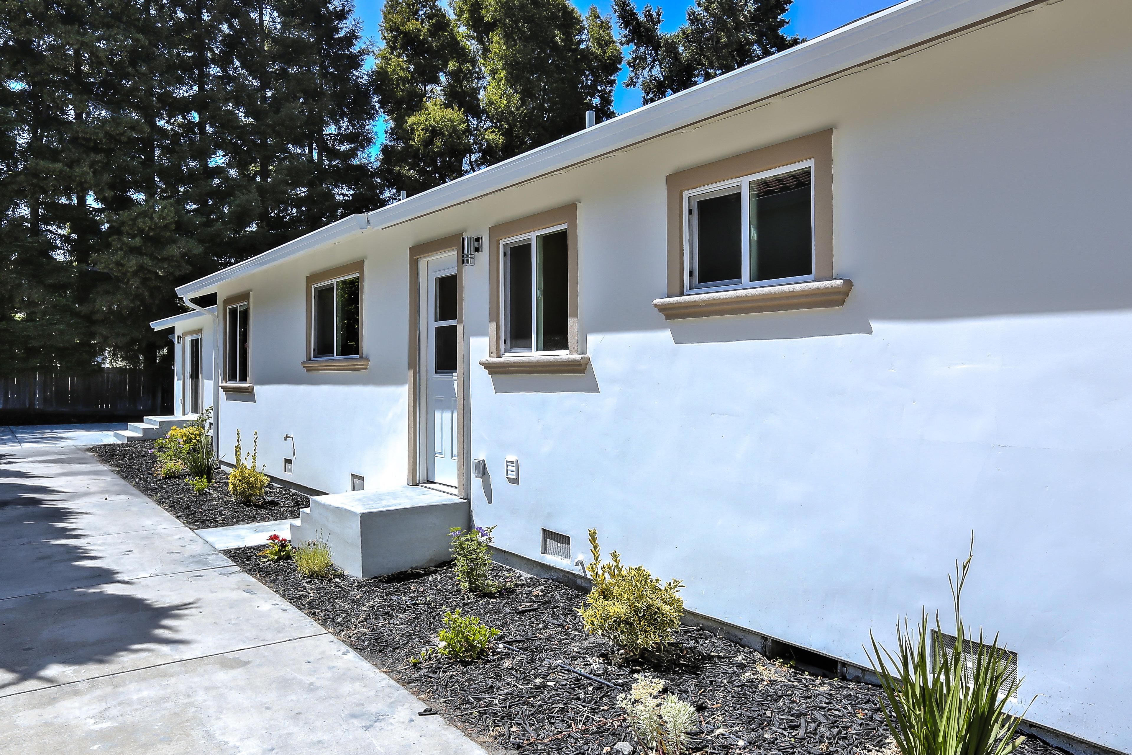 355 Morse Ave, Sunnyvale 94085 - Sideyard (A)
