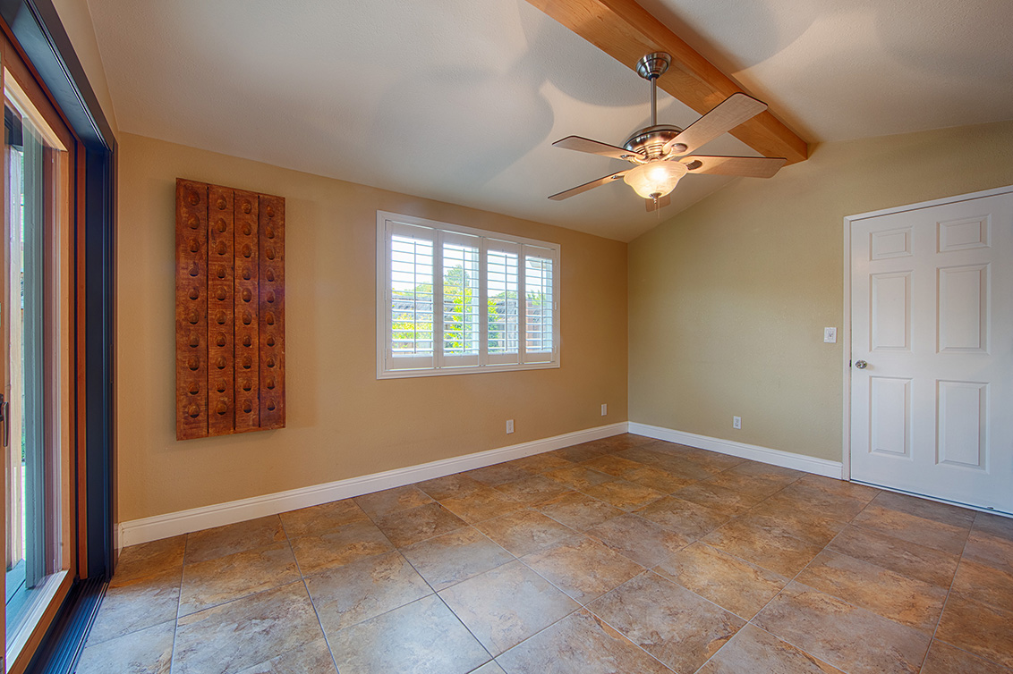 Living Room - 800 Mulberry Ln