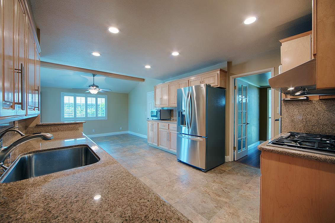 Kitchen (D) - 800 Mulberry Ln