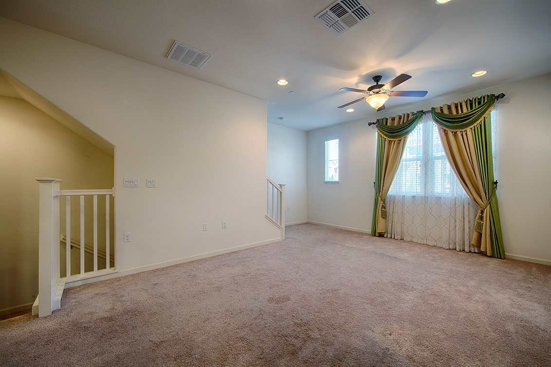 Living Room (B) - 158 Newbury St