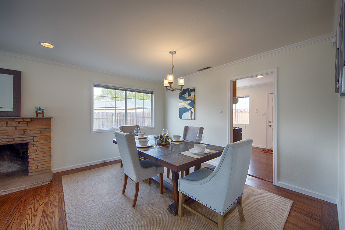 Dining Room (D) - 4718 Nicolet Ave