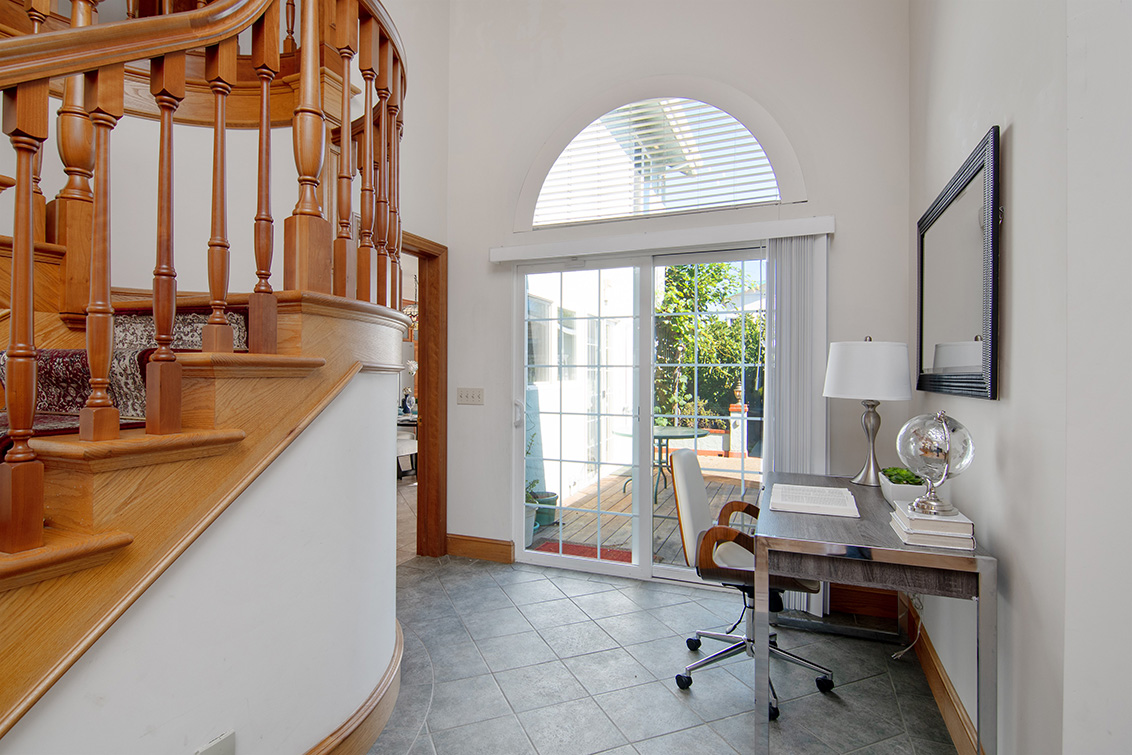 Corner Office (A) - 83 Orchard Ave