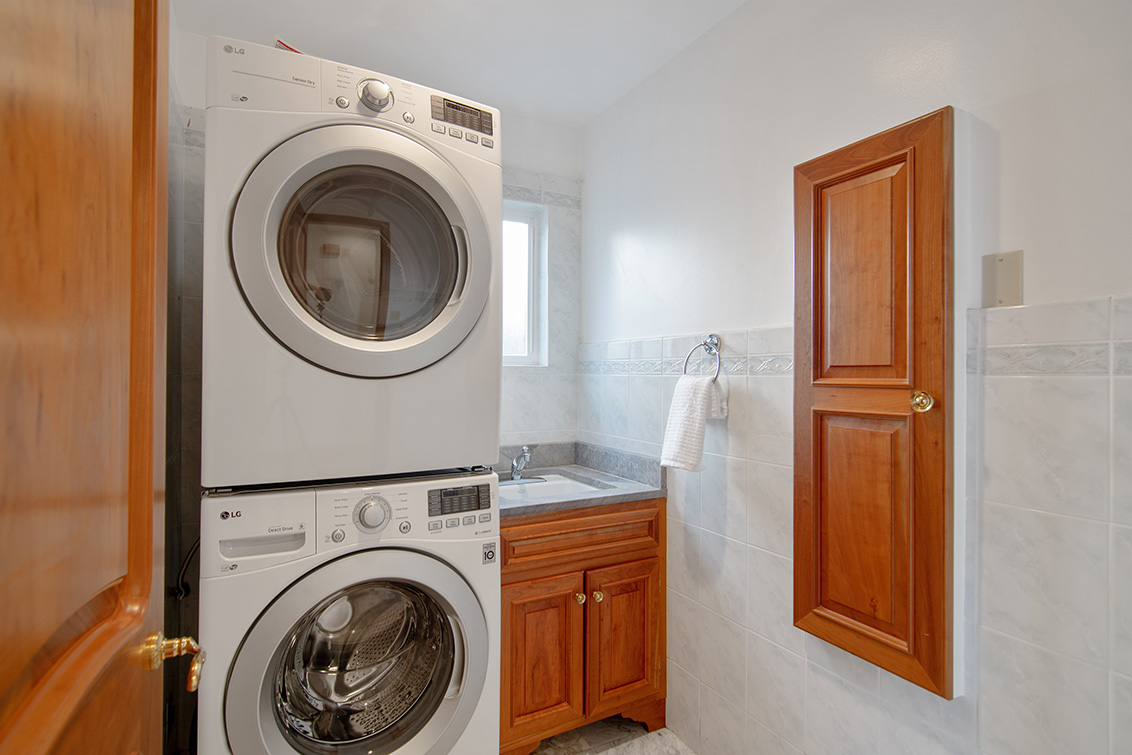 Laundry (A) - 83 Orchard Ave