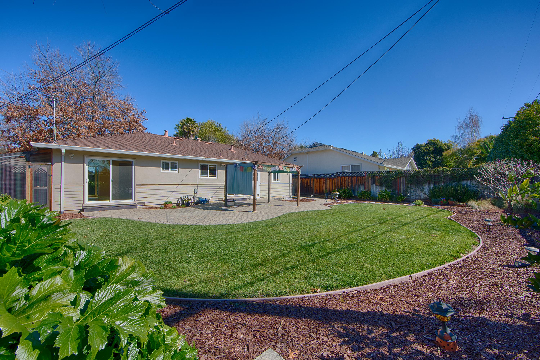 1062 Plymouth Dr, Sunnyvale 94087 - Backyard (B)