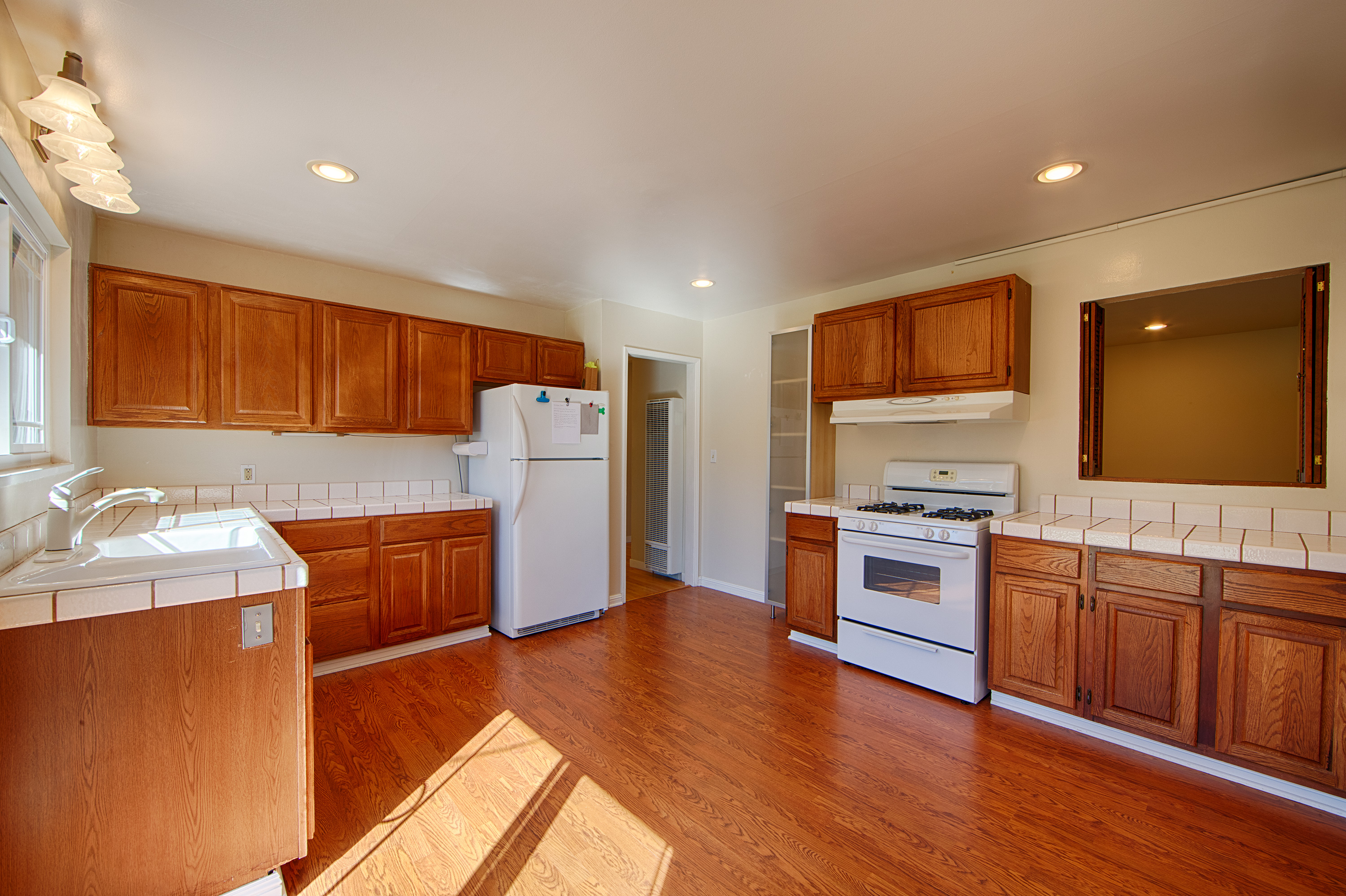 1062 Plymouth Dr, Sunnyvale 94087 - Kitchen (C)