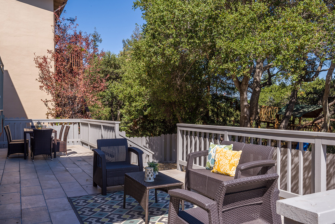 Deck 3 (B) - 2624 Ponce Ave
