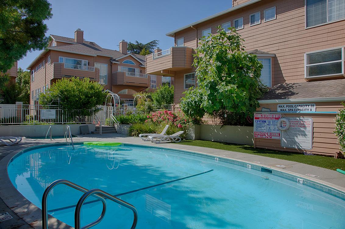 Swimming Pool (A)