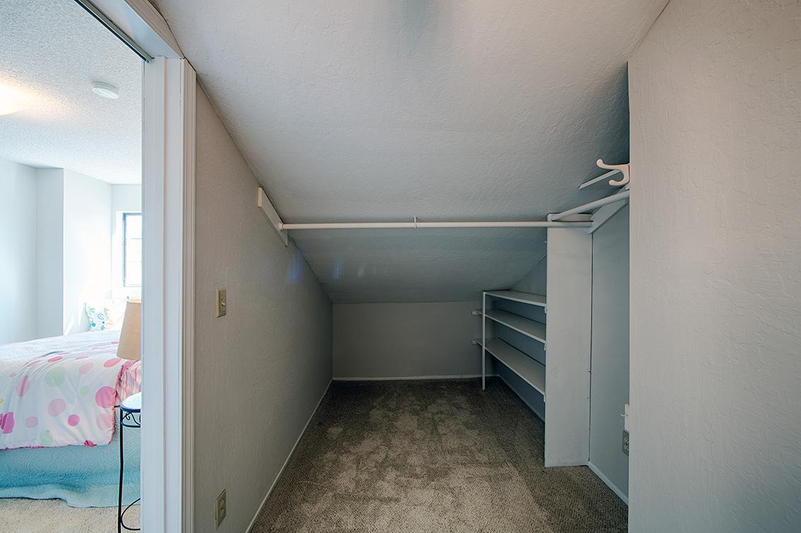 Bedroom 3 Closet  - 4833 Scotia St