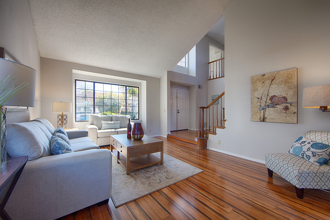 Living Room - 4833 Scotia St