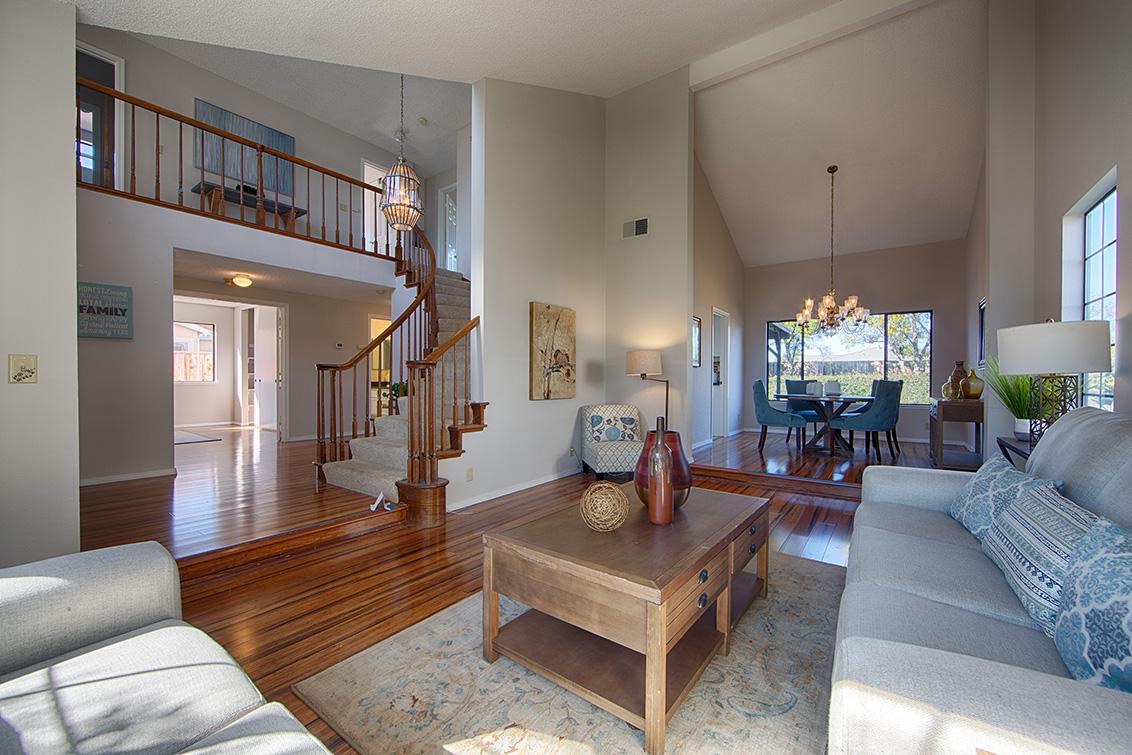 Living Room (D) - 4833 Scotia St
