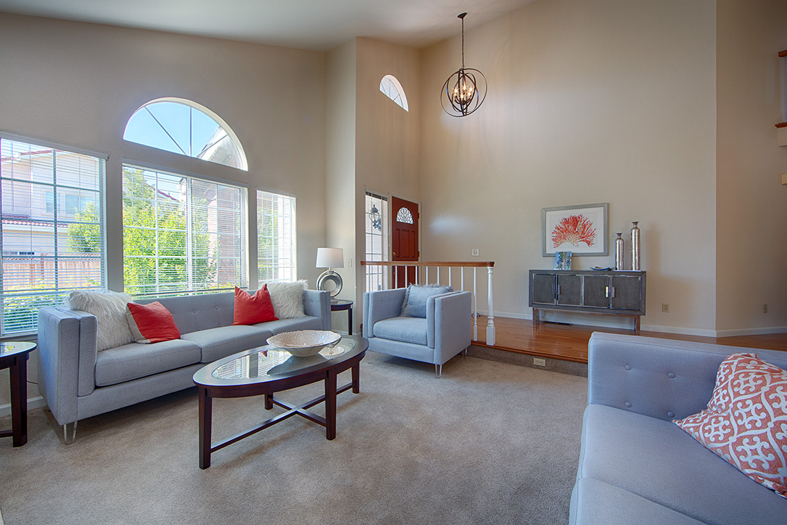 Living Room (B) - 7731 Seeber Ct