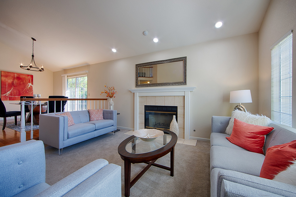 Living Room (D) - 7731 Seeber Ct