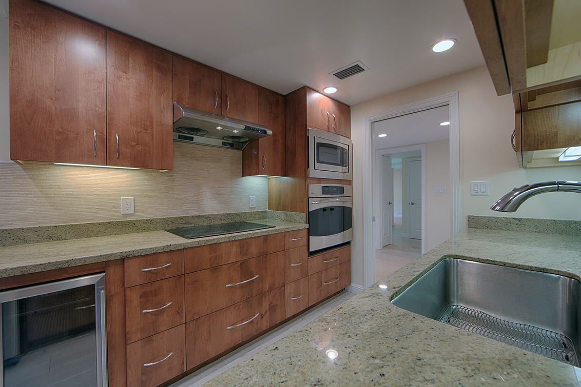 Kitchen (B) - 1100 Sharon Park Dr 2