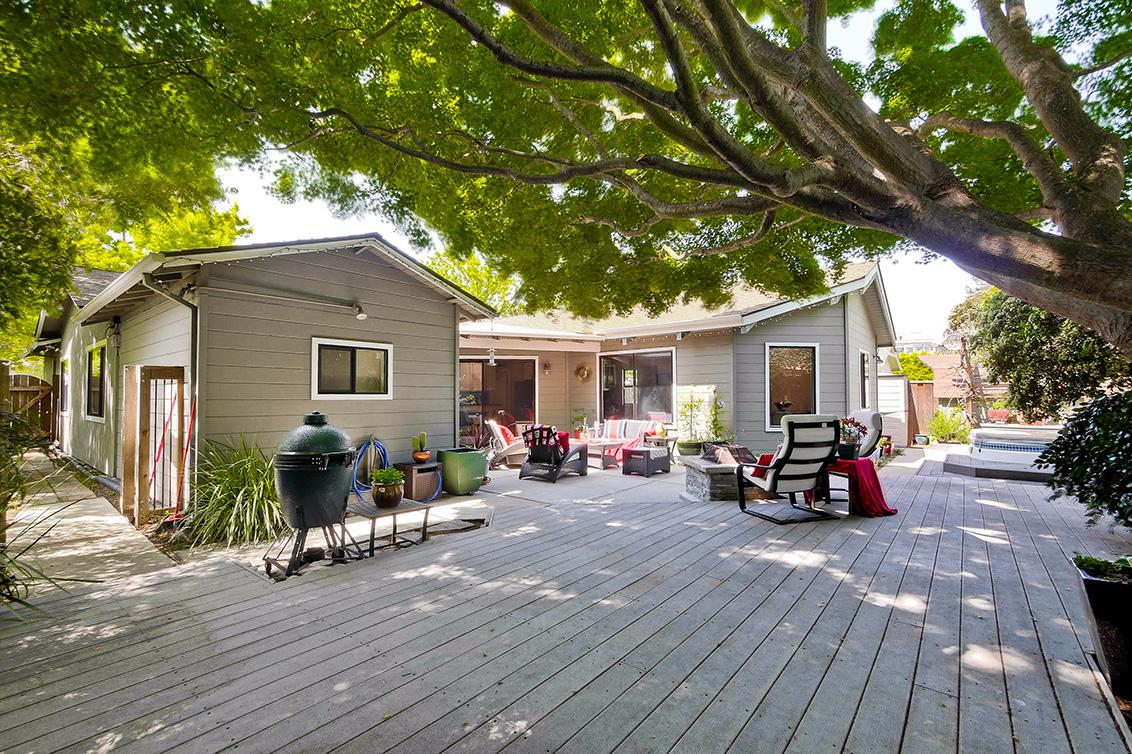 Backyard (J)