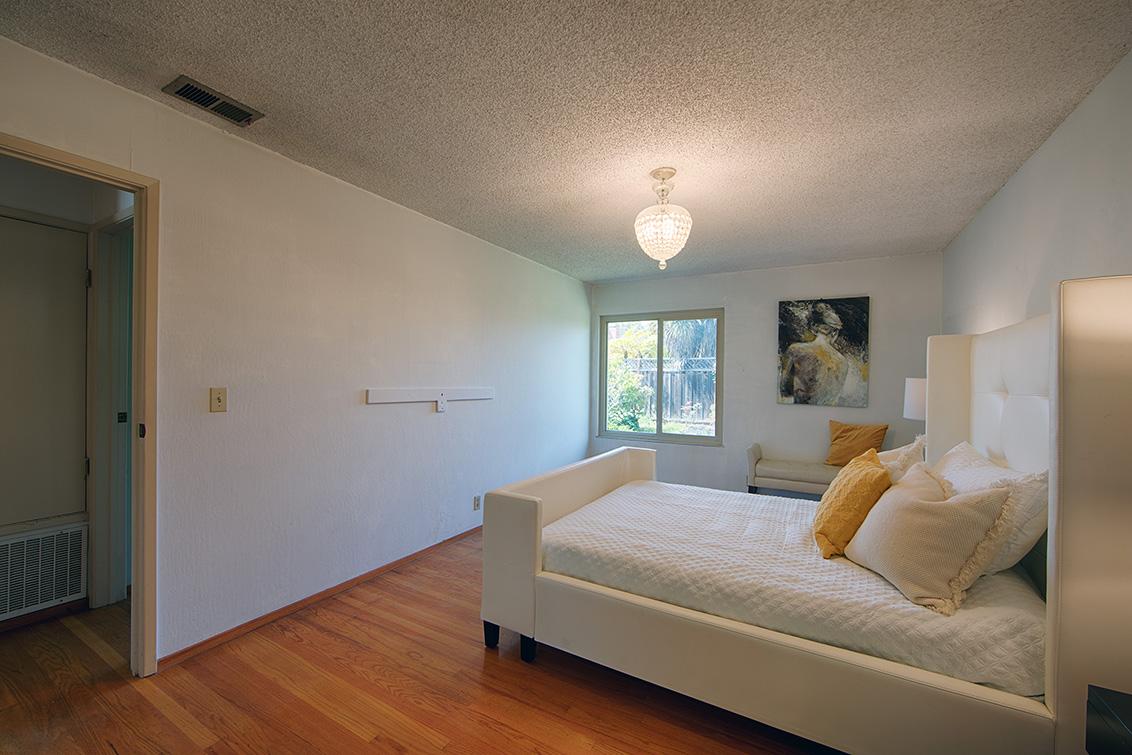 Master Bedroom (B) - 110 Trimaran Ct