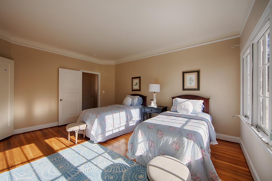 Bedroom 3 (C) - 1130 University Ave