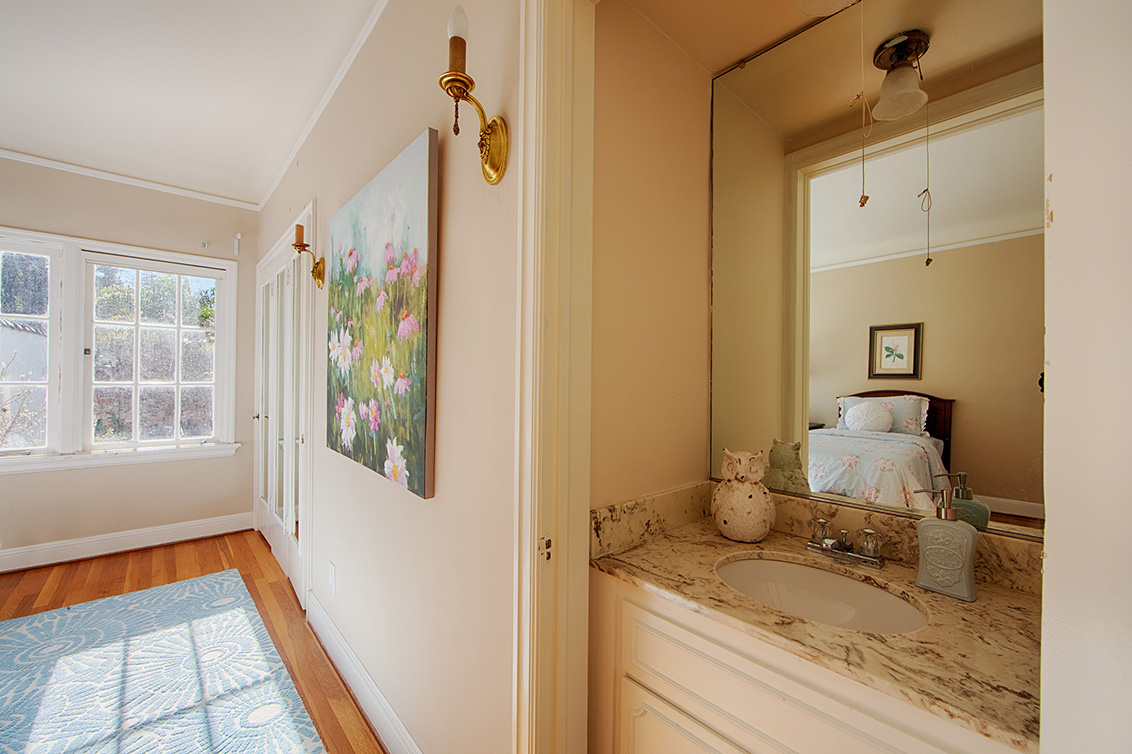 Bedroom 3 Vanity  - 1130 University Ave