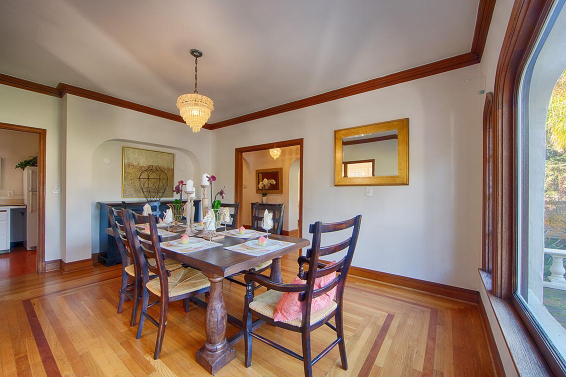 Dining Room (C) - 1130 University Ave