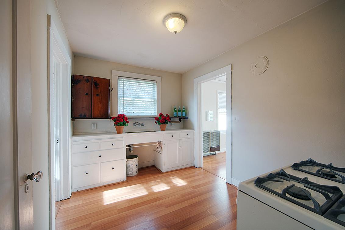 Studio Kitchen (B)