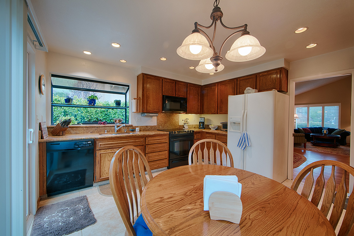 Kitchen (B) - 224 Viento Dr