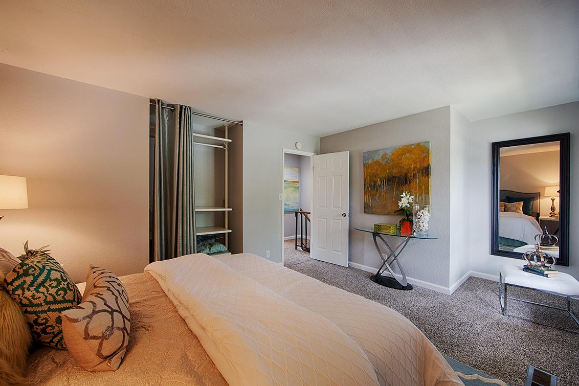 Bedroom 1 (C) - 10572 White Fir Ct