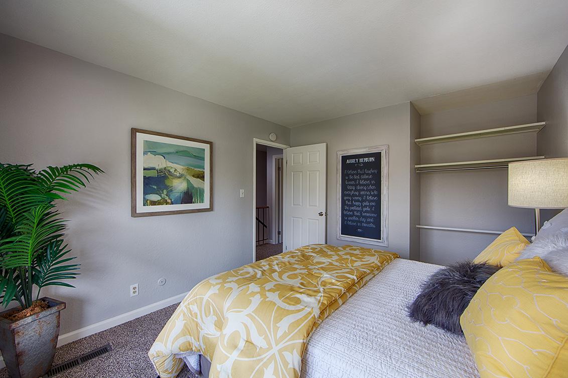 Bedroom 2 (C) - 10572 White Fir Ct