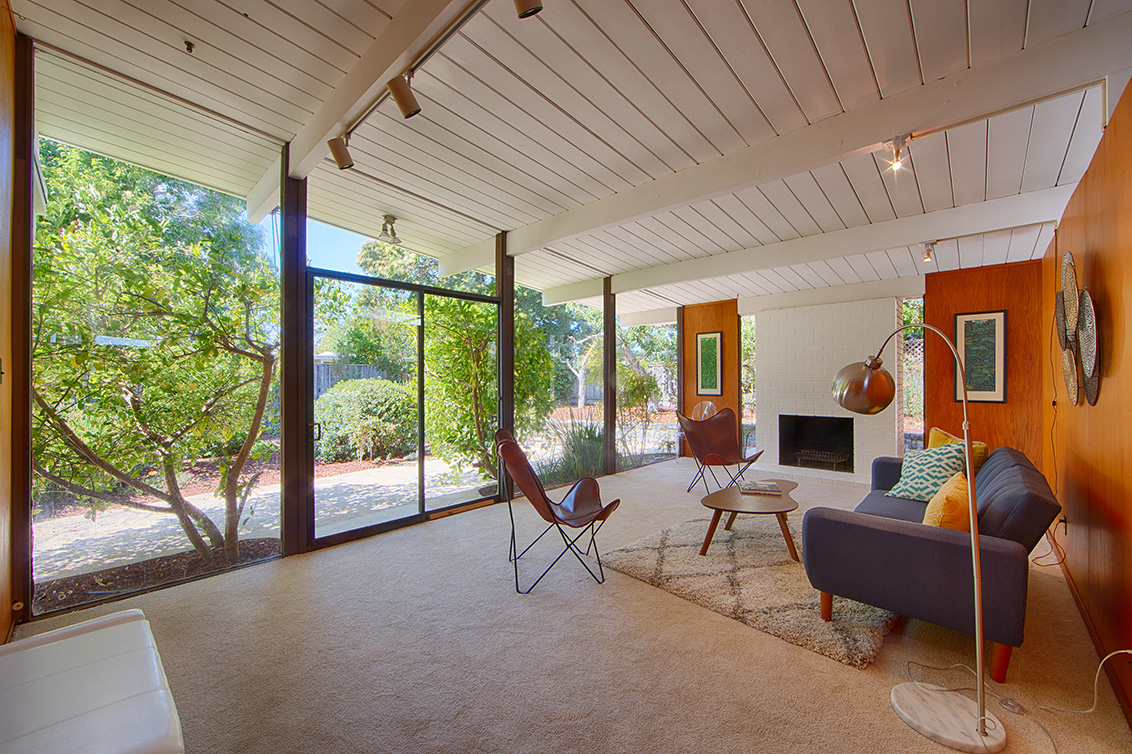 Living Room (A) - 1624 Yorktown Rd