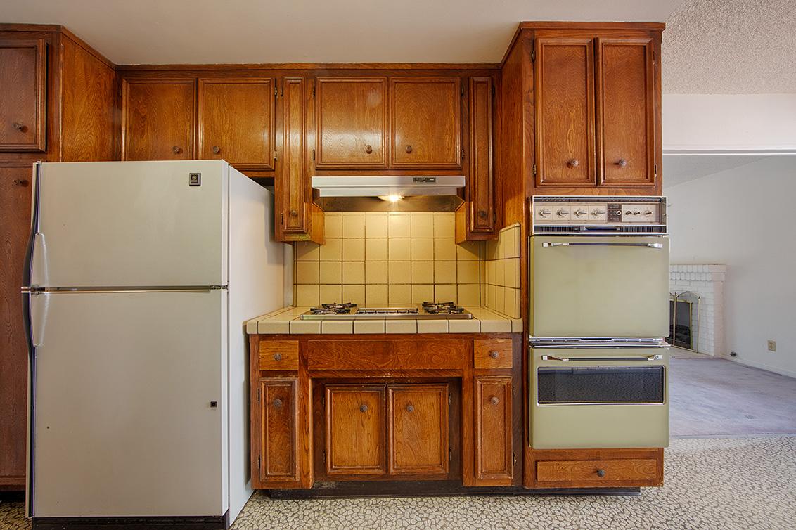 Kitchen (C) - 4785 Corrales Dr