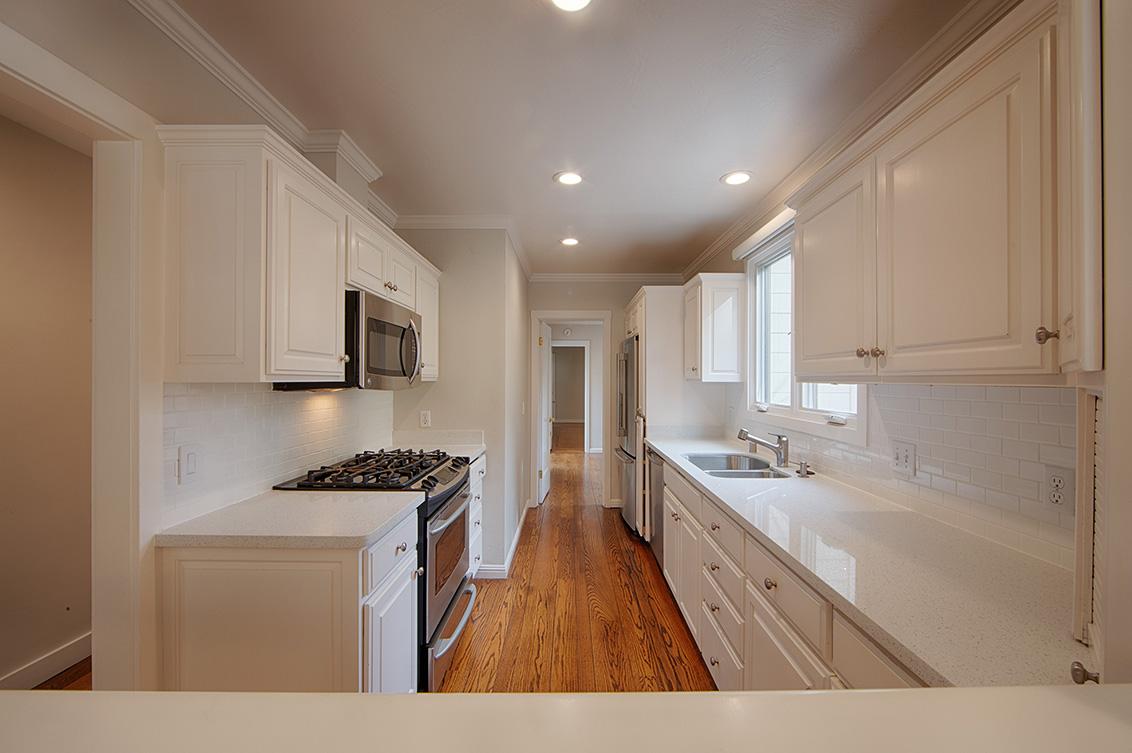 Kitchen (A) - 813 Covington Rd