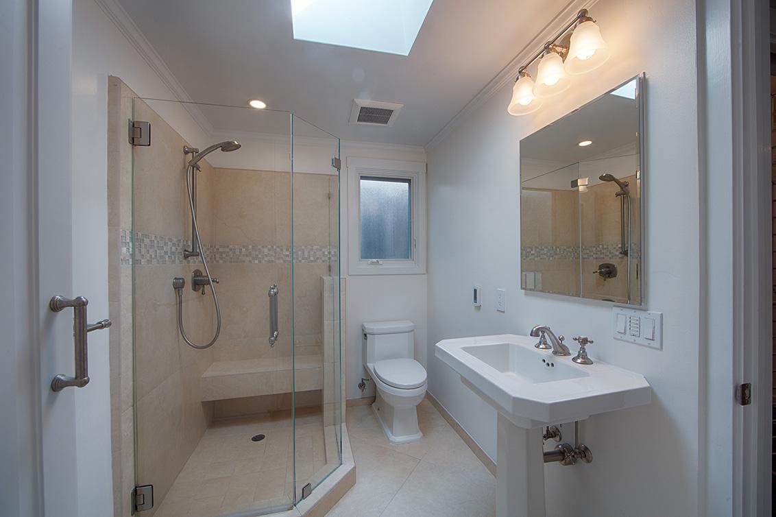 Master Bath (B) - 813 Covington Rd