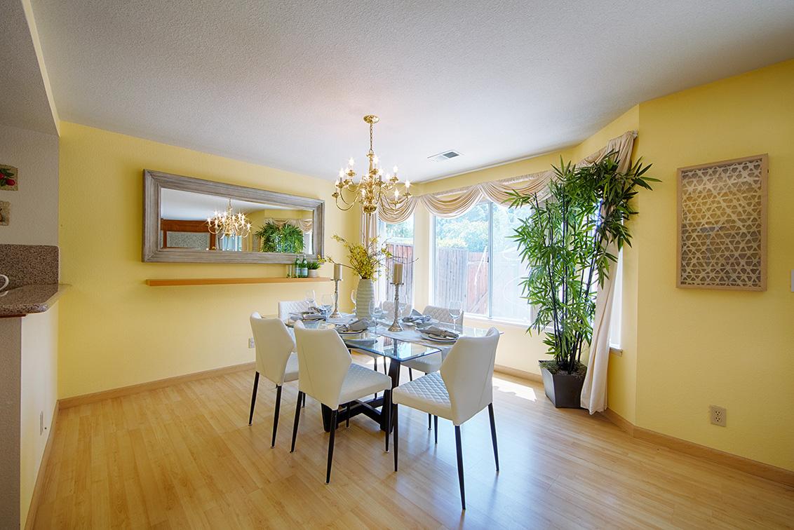 Dining Room (A) - 2119 Cuesta Dr