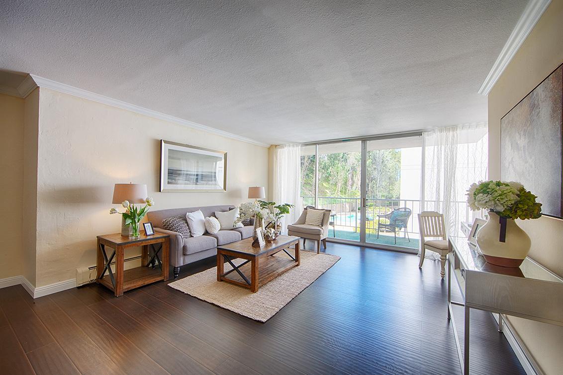 Living Room - 400 Davey Glen Rd 4524