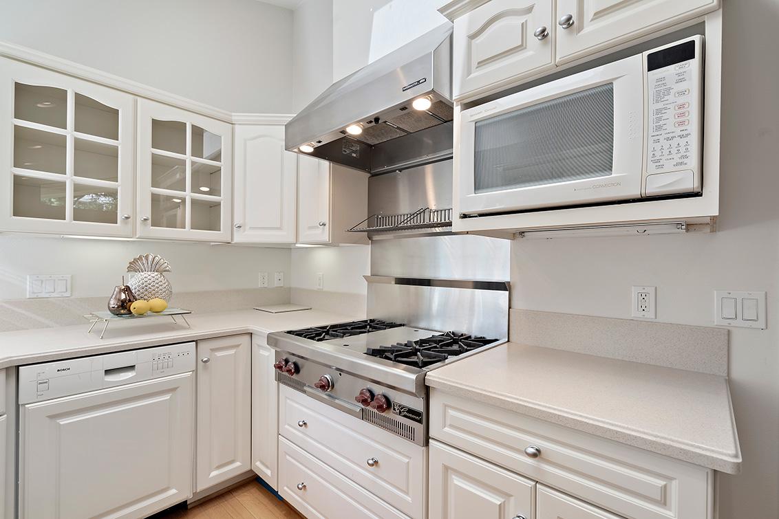 Cottage Kitchen (D)