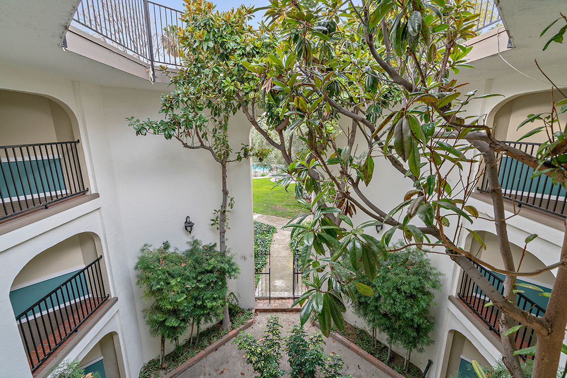 Courtyard (A) - 1720 Halford Ave 327