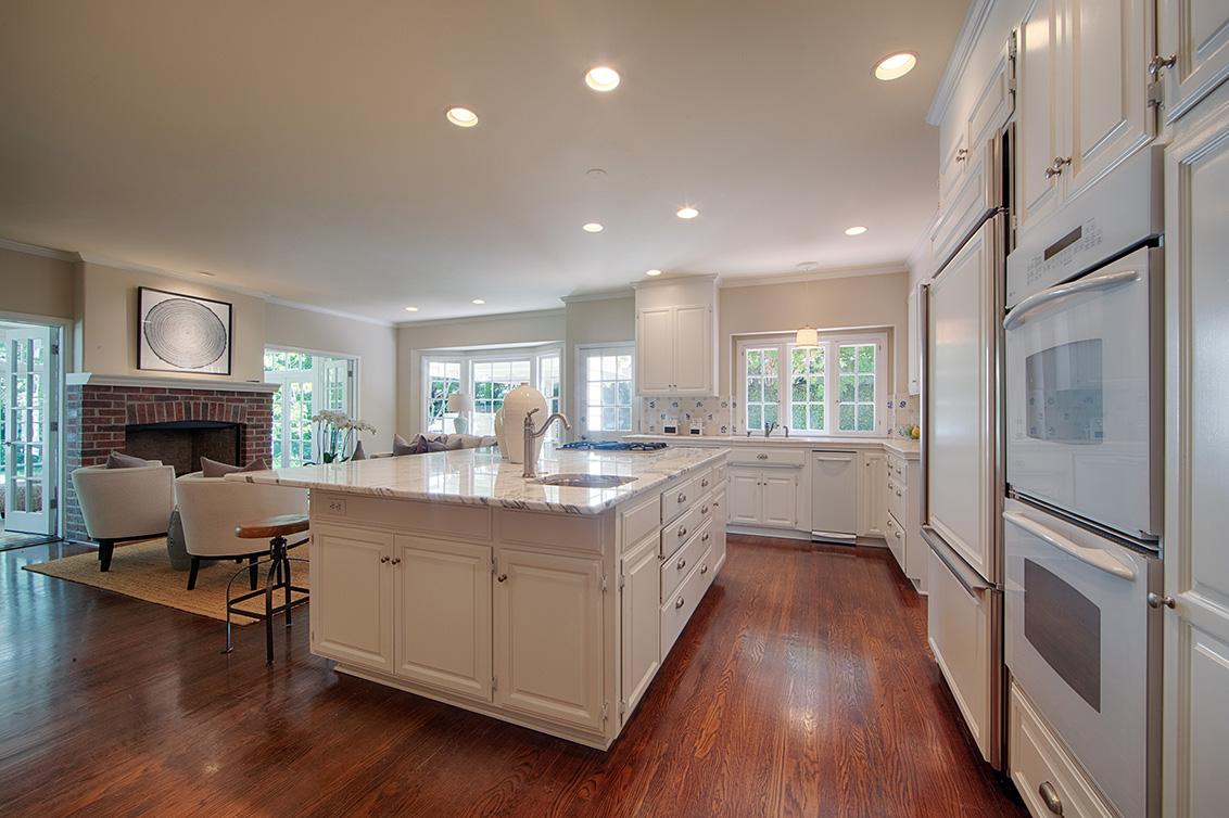Kitchen (A) - 1437 Hamilton Ave