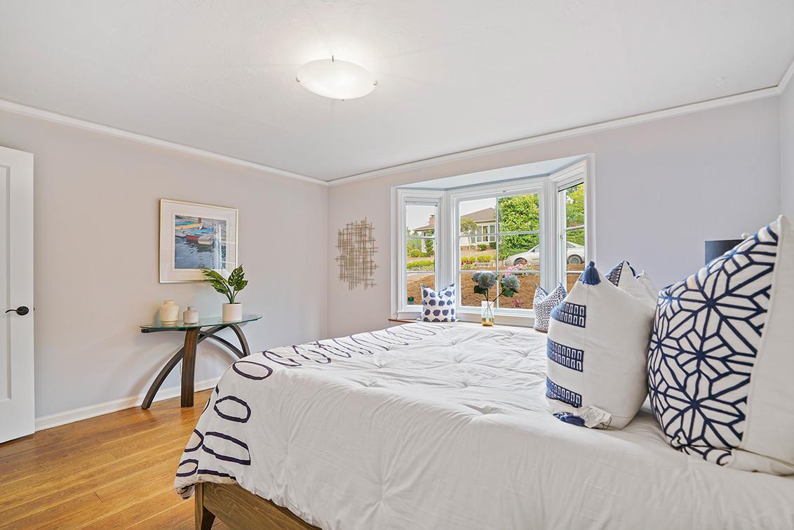 Master Bedroom (B) - 30 Hilltop Dr